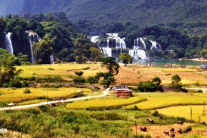 BA BE LAKE – BAN GIOC WATERFALL
