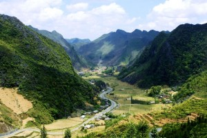 DISCOVER HA GIANG AND FARTHER NORTH