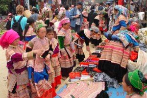 SAPA TREKKING AND BAC HA MARKET
