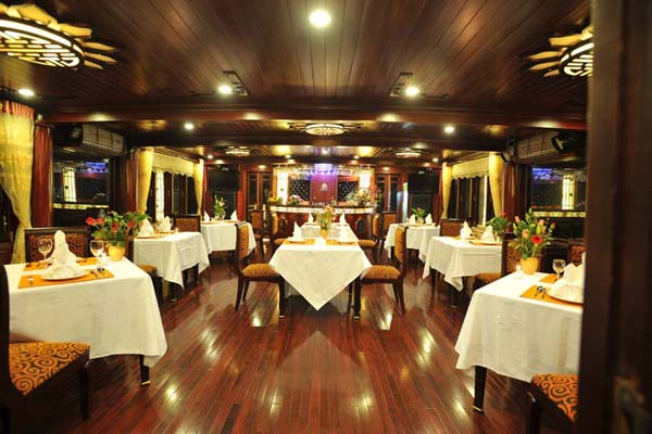Calypso Cruise Dining room