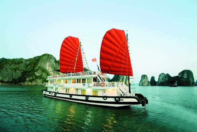 IMPERIAL CLASSIC CRUISE HALONG BAY